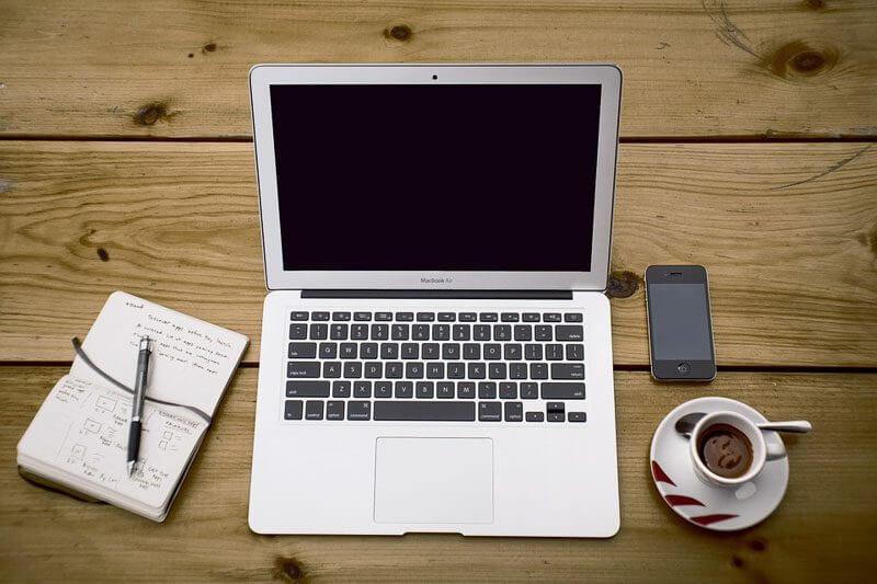 blogging laptop