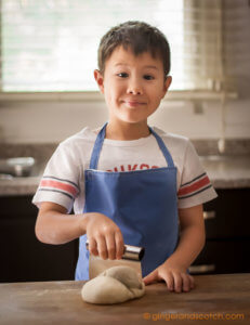 Kids eager to make homemade Chinese noodles