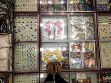 Button Display at Ajwaa Al Madeena